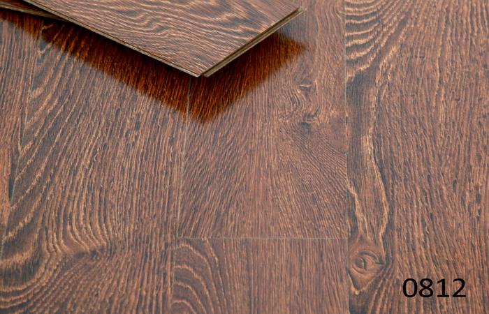 laminate flooring stock 812